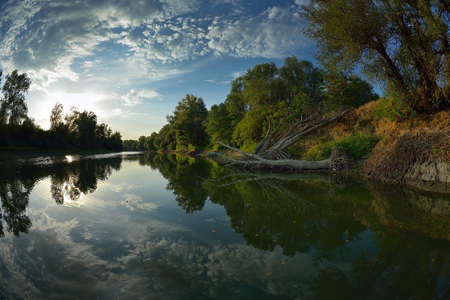 Canal in Delta Dunavat