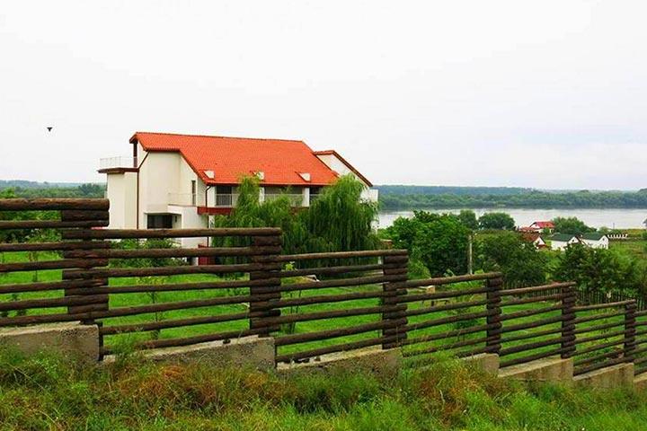 Pensiunea 4 Salcii - Delta Dunarii