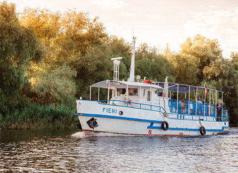 Plimbari cu vaporasul in Delta Dunarii